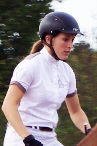Solenn - enseignante au club d'équitation La Clairière du Findez - Francheville